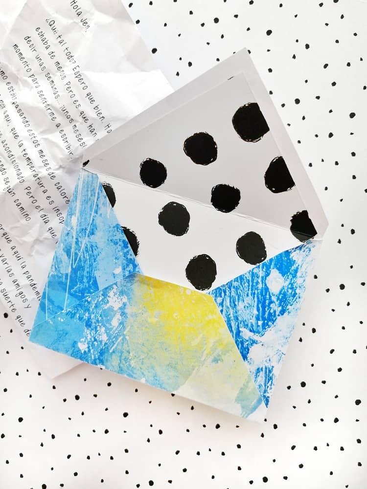 Artefacto Digital Ideas con sobres - detalle embellishments
